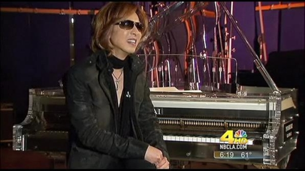 [LA] Rock Star Yoshiki Auctions Piano for Japan Relief