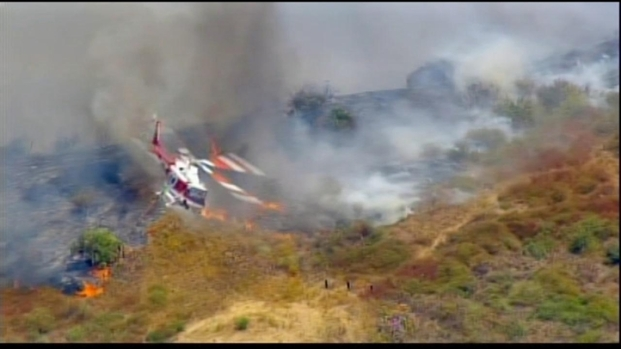 [LA] Raw Video: Brush Fire Spreads in Carbon Canyon