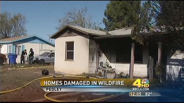 [LA] 4 Hurt, 3 Homes Damaged in Pedley Fire
