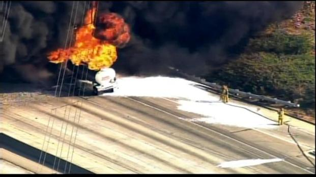 [LA] Raw Video: Tanker Fire Shuts Down 60 Freeway