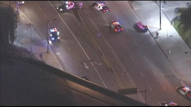 [LA] Police Pursuit Ends in Freeway Shootout