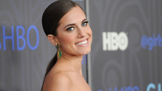 "[NATL] Allison Williams Tries To Grow Up In ""Girls"""