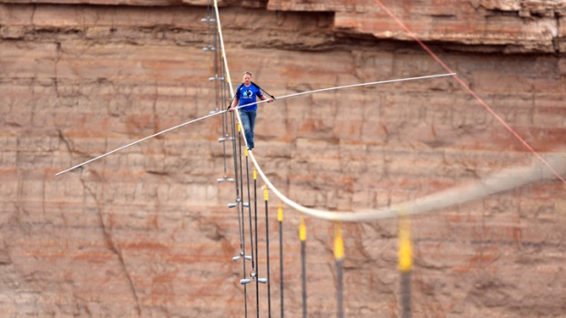 Wallenda discusses hanging by her teeth over Niagara Falls