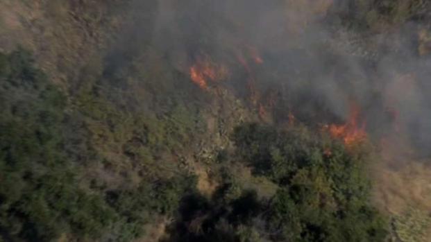 [LA] Brush Fire Burning Near Homes in La Verne