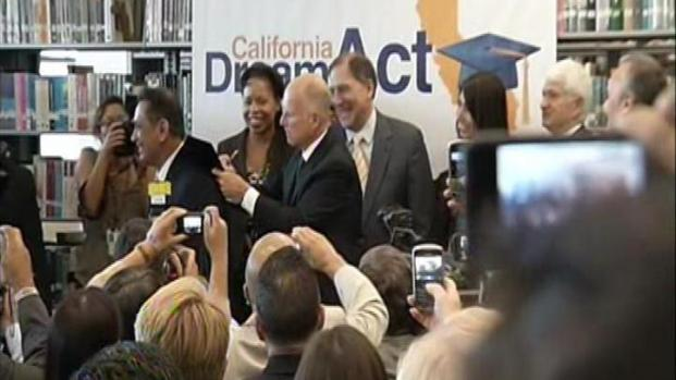 [LA] New Law Helps Get Financial Aid for Students in Country Illegally