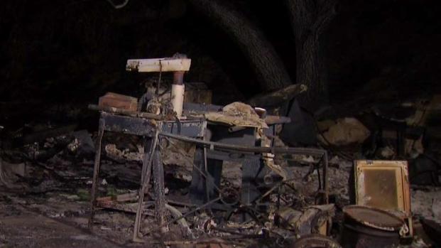 [LA] Family's Home Destroyed in La Tuna Fire