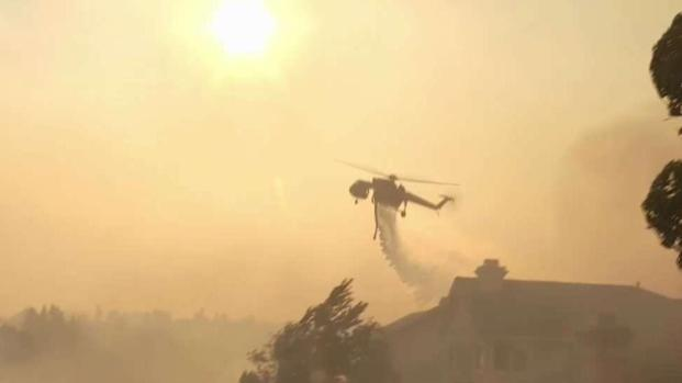 [LA] Firefighting Helicopter Protects Homes From SoCal Wildfire