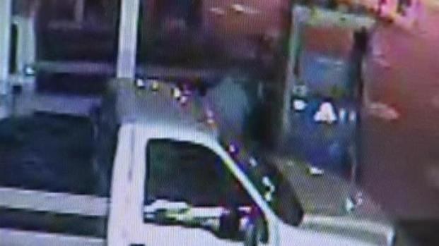 [LA] Gas Thieves Strike Several Gas Stations