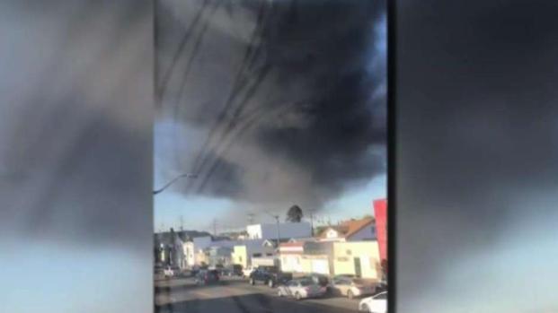 [LA] Gas Tank Explodes Sending Smoke Bloom Into Sky