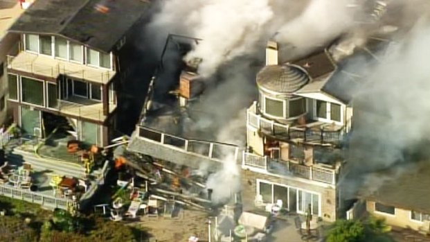 [LA] Sunset Beach House Collapses During Fire