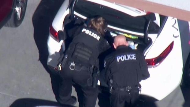 [LA] Investigators Serve Warrants in Maywood