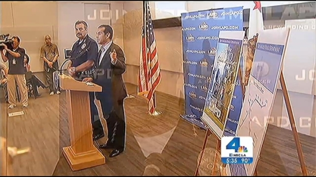 [LA] Mayor Villaraigosa Takes a Bow on Farewell Tour