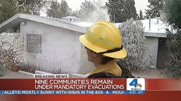 [LA] Strong Winds Push Silver Fire East, Draping Smoke Over Palm Springs
