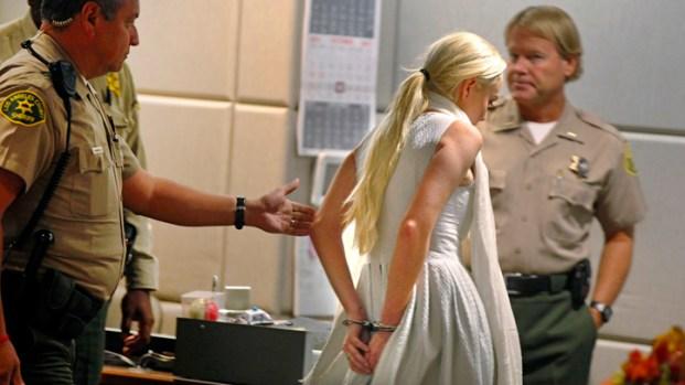 [LA] Raw Video: Lindsay Lohan Taken Into Custody