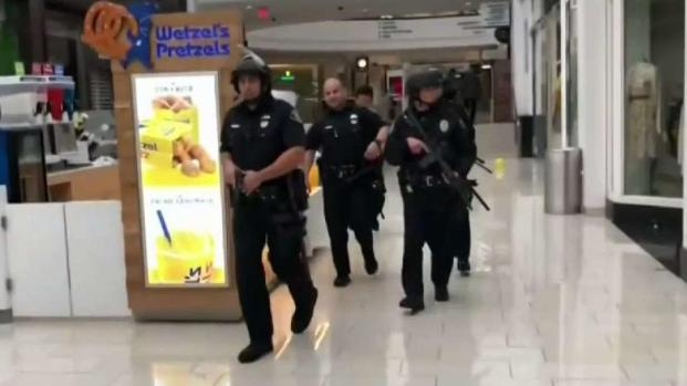 [LA] Mall Shoppers, Employees Flee After Hearing Gunshots