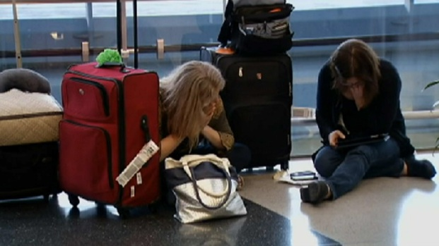 [CHI] Airport Problems Leave Frustrated Passengers Behind