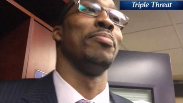 [LA] Lakers' Dwight Howard Has Awkward Locker Room Moment