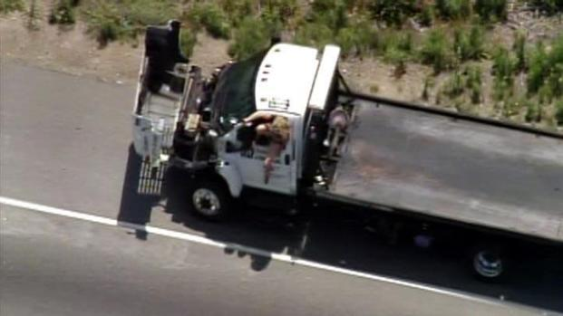 [LA] Police Pursuit: Woman Jumps Out of Moving Truck