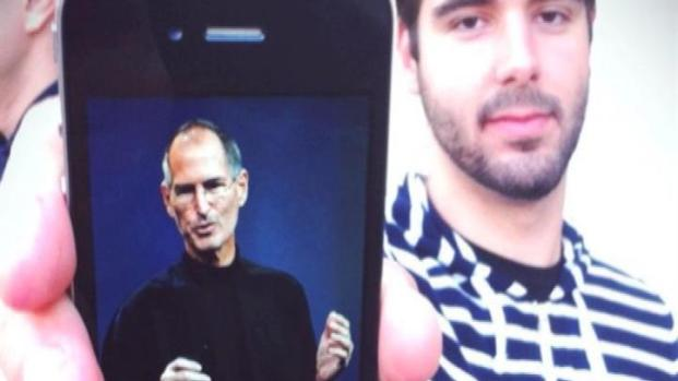 [LA] Fans Remember Steve Jobs