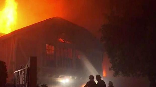 [LA] Residents React After Saddleridge Fire Engulfs Homes