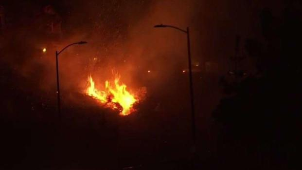 [LA] Saddleridge Fire: Hillside Homes Threatened in Sylmar Area