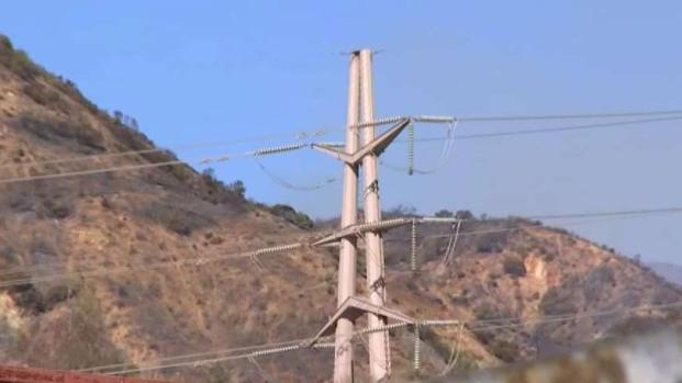 [LA] Saddleridge Fire Possibly Sparked by Power Line Tower