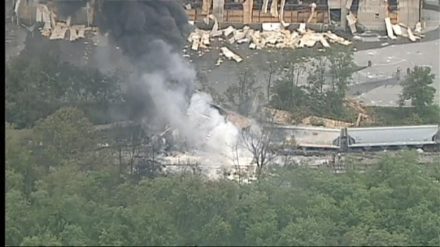 [DC] Raw Video of Baltimore County Train Derailment and Explosion
