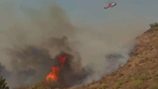 [LA] Water Drops Slow Woolsey Fire in Calabasas