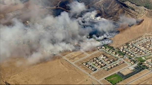 [NEWSC] Rising Winds Fuel Calif. Fire