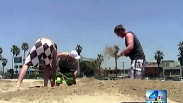 [LA] Buried Treasure Prank Scores at SoCal Beach