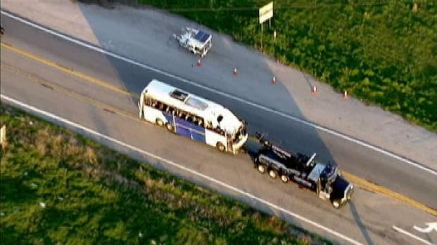 [LA] Tour Bus Involved in Deadly Crash Towed From Scene