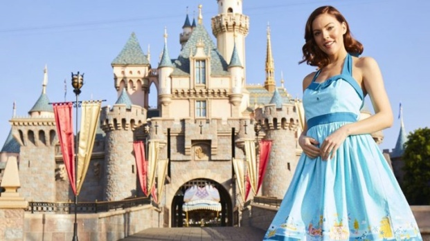 New Disney Dress Shop Rocks Theme Park Sparkle