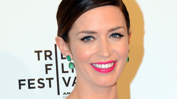 "[NBCAH] Emily Blunt Hits ""The Five-Year Engagement"" Premiere"