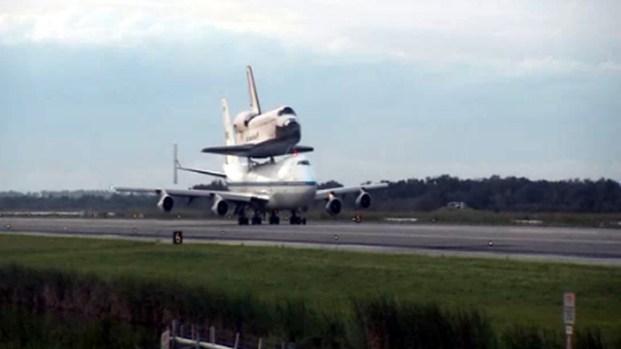 [LA] Raw Video: Endeavour's Space Coast Flyover