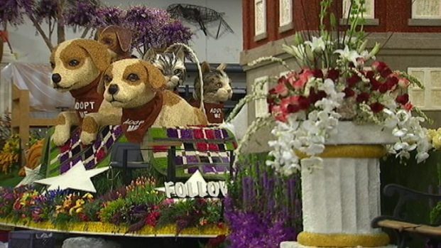 [LA] Final Touches on the Rose Parade Floats