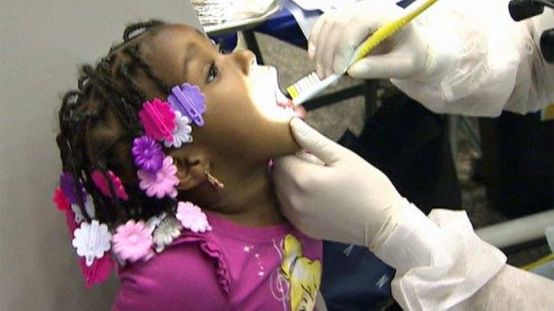 [LA] Volunteers Provide Free Healthcare