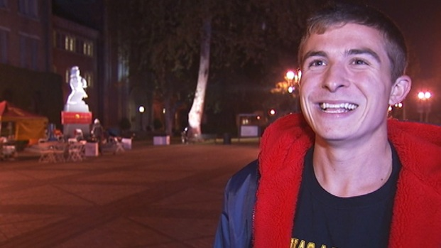 [LA] Guard Tommy Trojan on the Overnight Shift