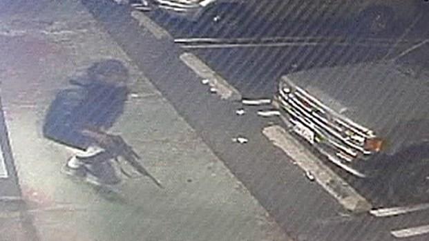 [LA] Clerk Shot in Botched Liquor Store Robbery