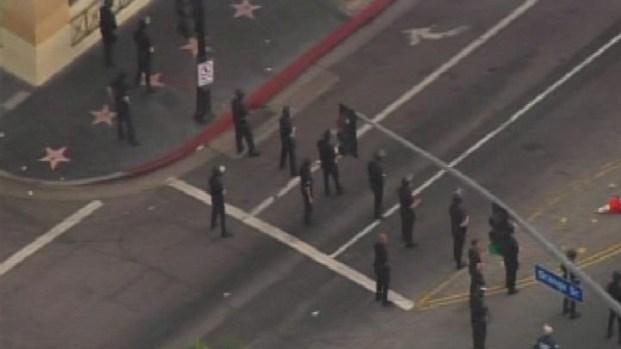 [LA] LAPD Breaks Up Rowdy Crowd in Hollywood