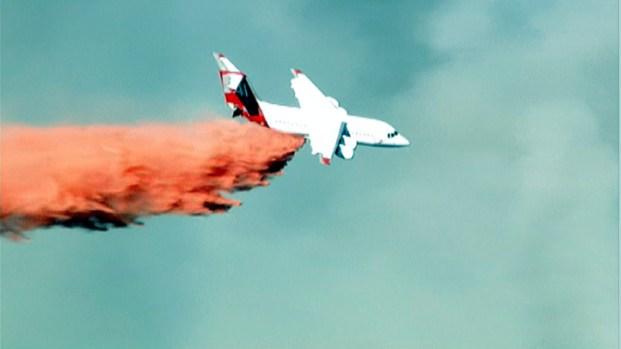 [LA] Raw Video: Modified Passenger Jet Fights Brush Fire