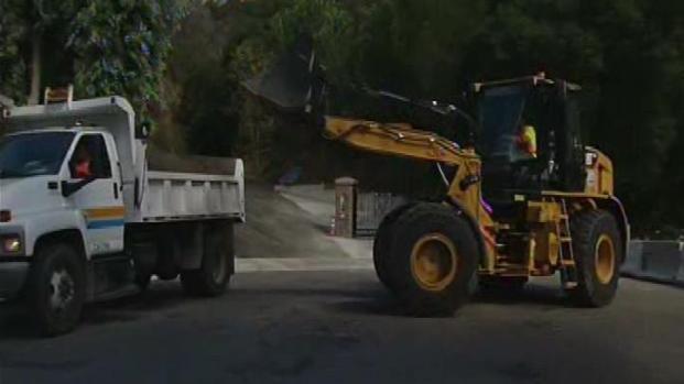 [LA] Crews Get Ready for Stormy Week