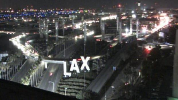[LA] High Winds Knock Out Power to LAX