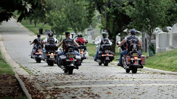 Rolling Thunder Riders Honor Unknown, Visit With Kids