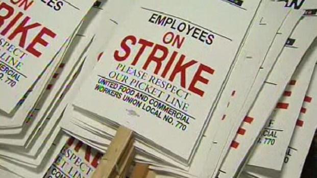 [LA] Grocery Workers Build Picket Signs as Strike Looms