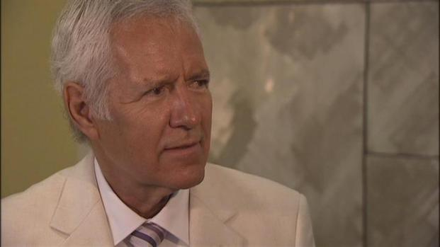 [BAY] Raw Video: Alex Trebek Tells Crime Tale