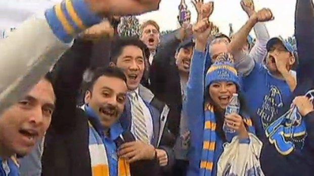 [LA] UCLA, USC Fans Party It Up