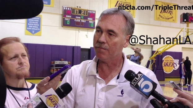 Mike D'Antoni At Lakers Practice