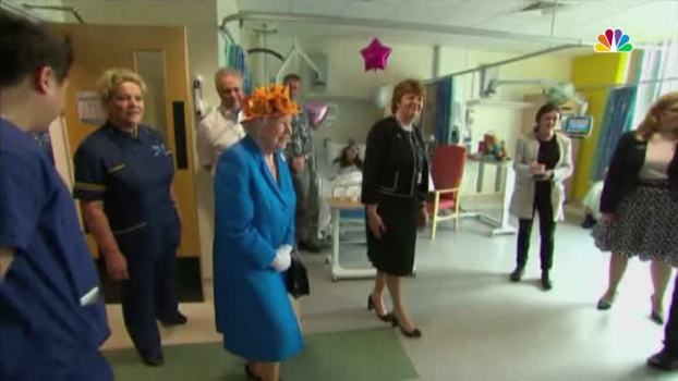 Queen Elizabeth Visits Survivors of Manchester Bombing