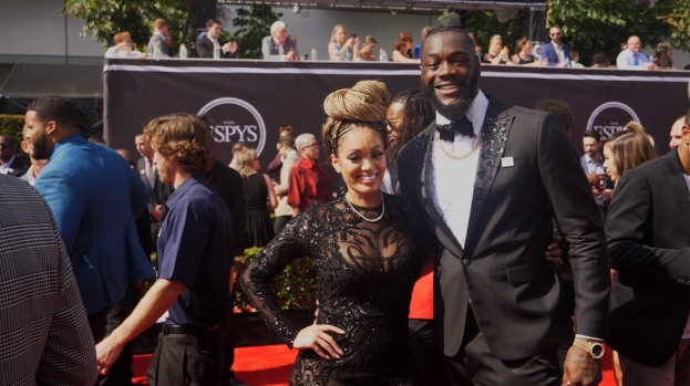 [LA] Athletes Bring the Bling at ESPYs Red Carpet