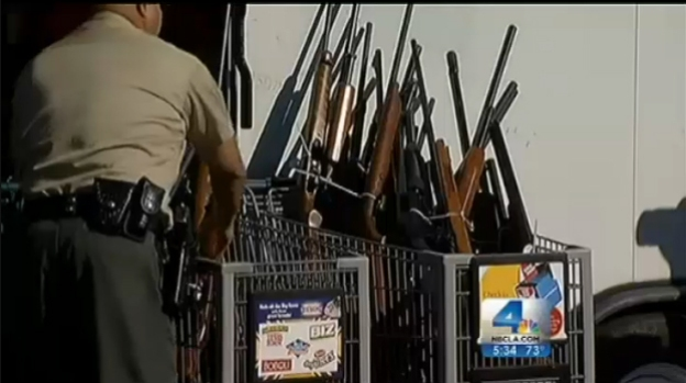 [LA] LA County Sheriff's Trade Gifts for Guns in Compton